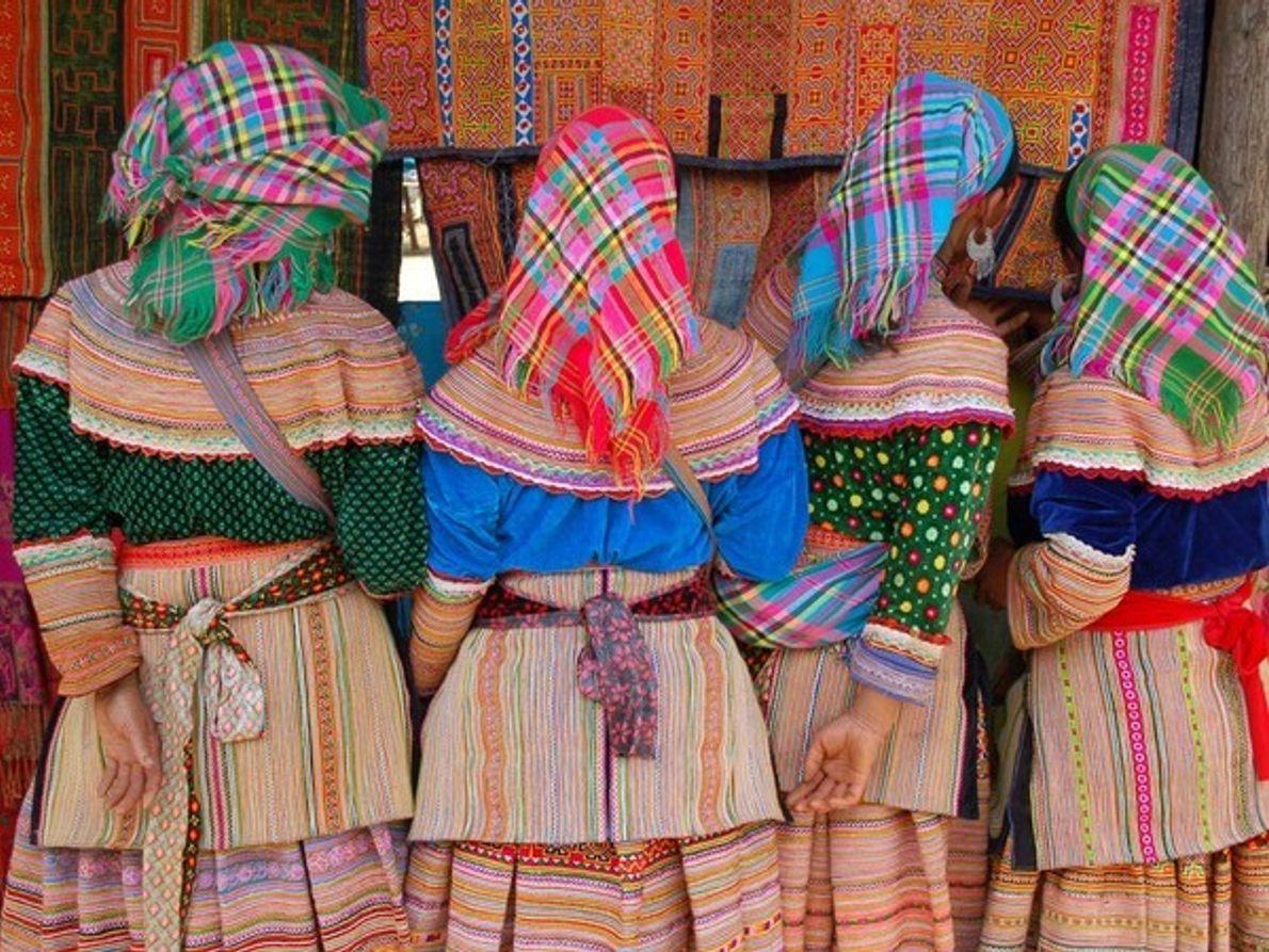Mujeres Hmong, en Bac Ha.