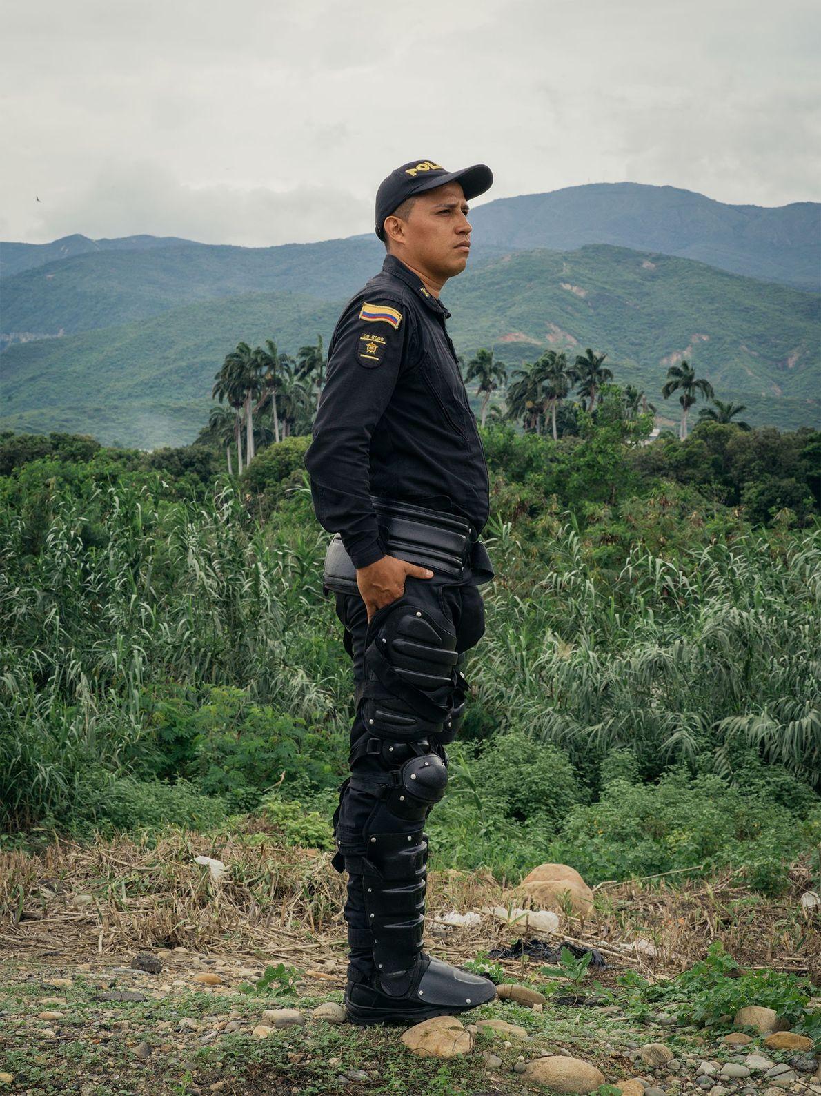 El policía Jeo Vanny Tamara