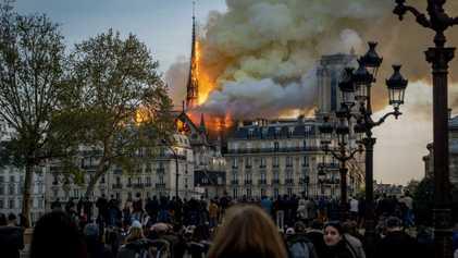 La catedral de Notre Dame: 800 años de historia arden en París