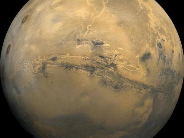 Imagen de Marte tomada por los módulos orbitales de la NASA muestra las características de la ...