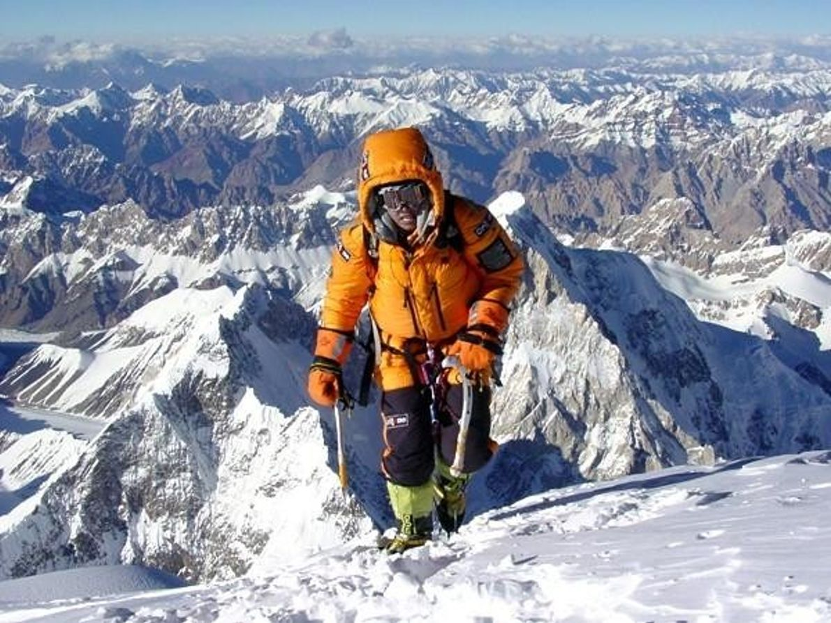 Edurne Pasabán en la cumbre del K2