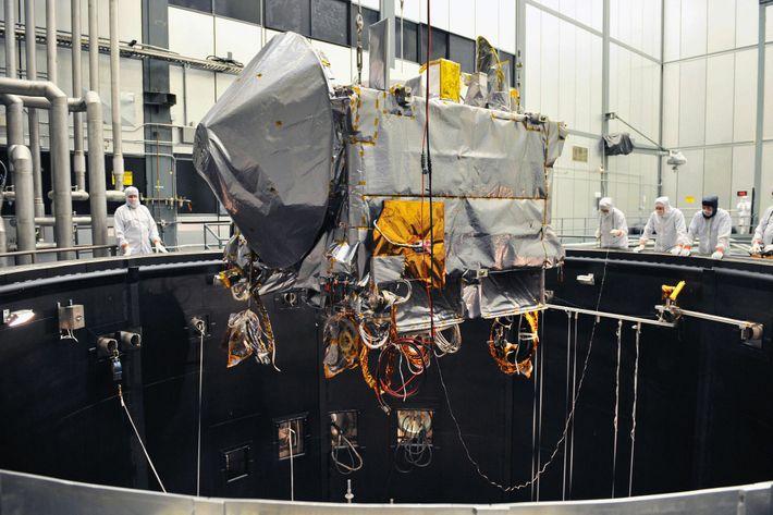 Sonda OSIRIS-REx en una cámara de vacío térmico