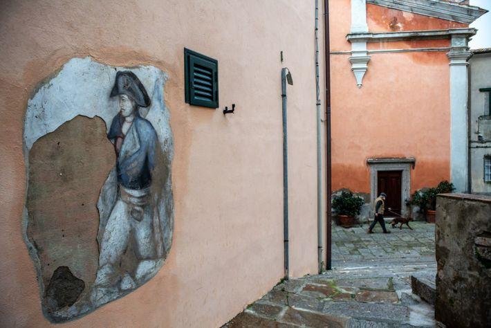 Mural de Napoleón Bonaparte en la isla de Elba