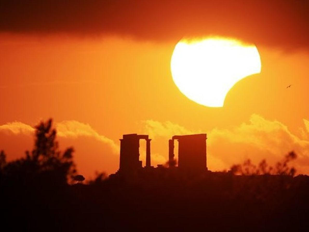 Eclipse parcial sobre Grecia