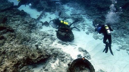 Restos de un ballenero hundido en Hawái en 1823