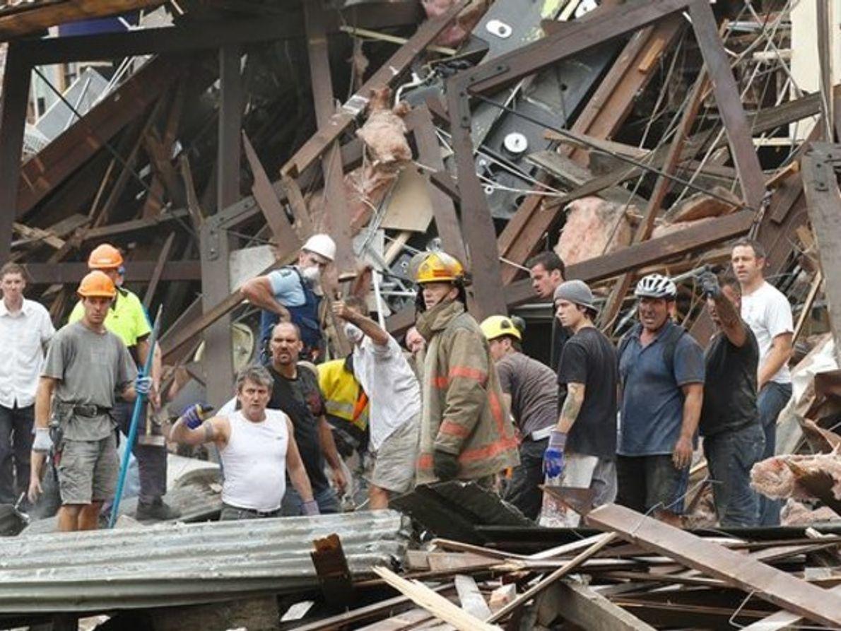 Buscando a los supervivientes del terremoto