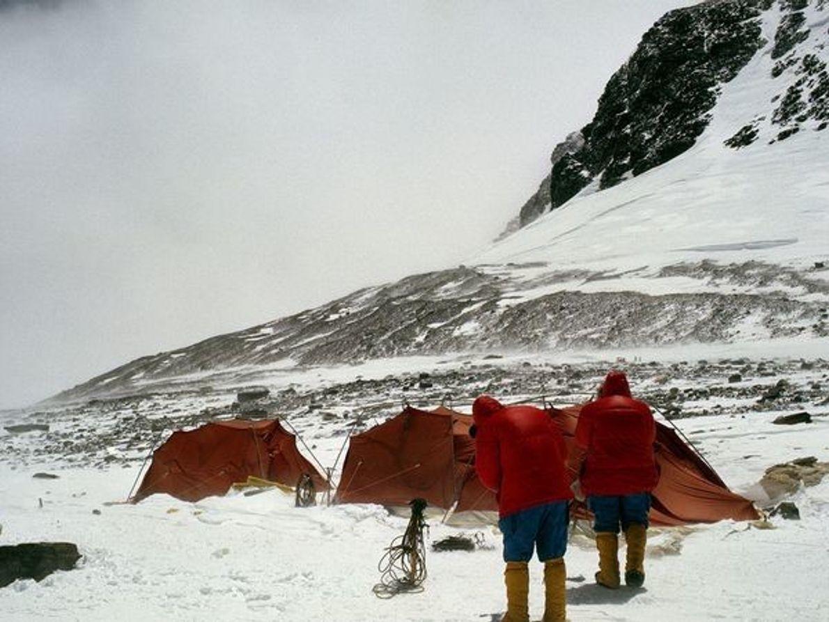 Escalando el Everest: Las primeras expediciones