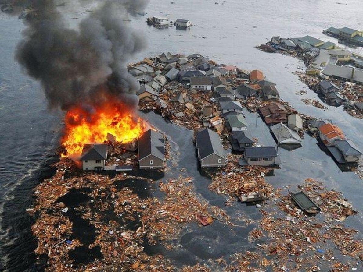 El tsunami arrasa Japón