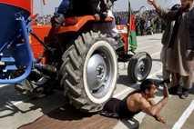 Tractor, Afganistán