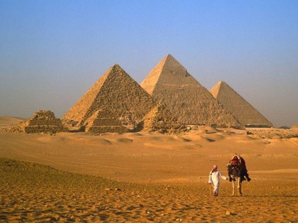 La gran pirámide de Giza, Egipto