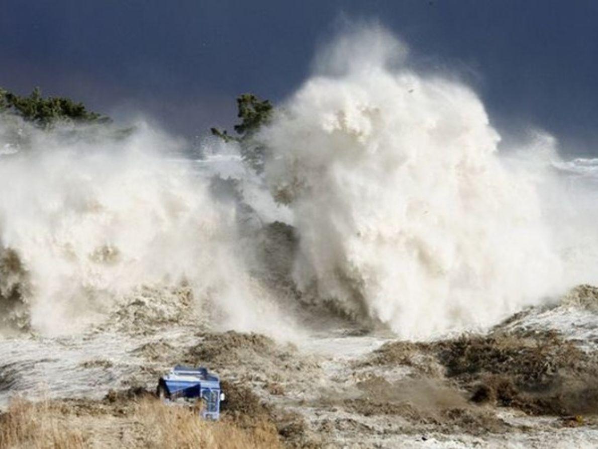 3. Playa engullida por el tsunami