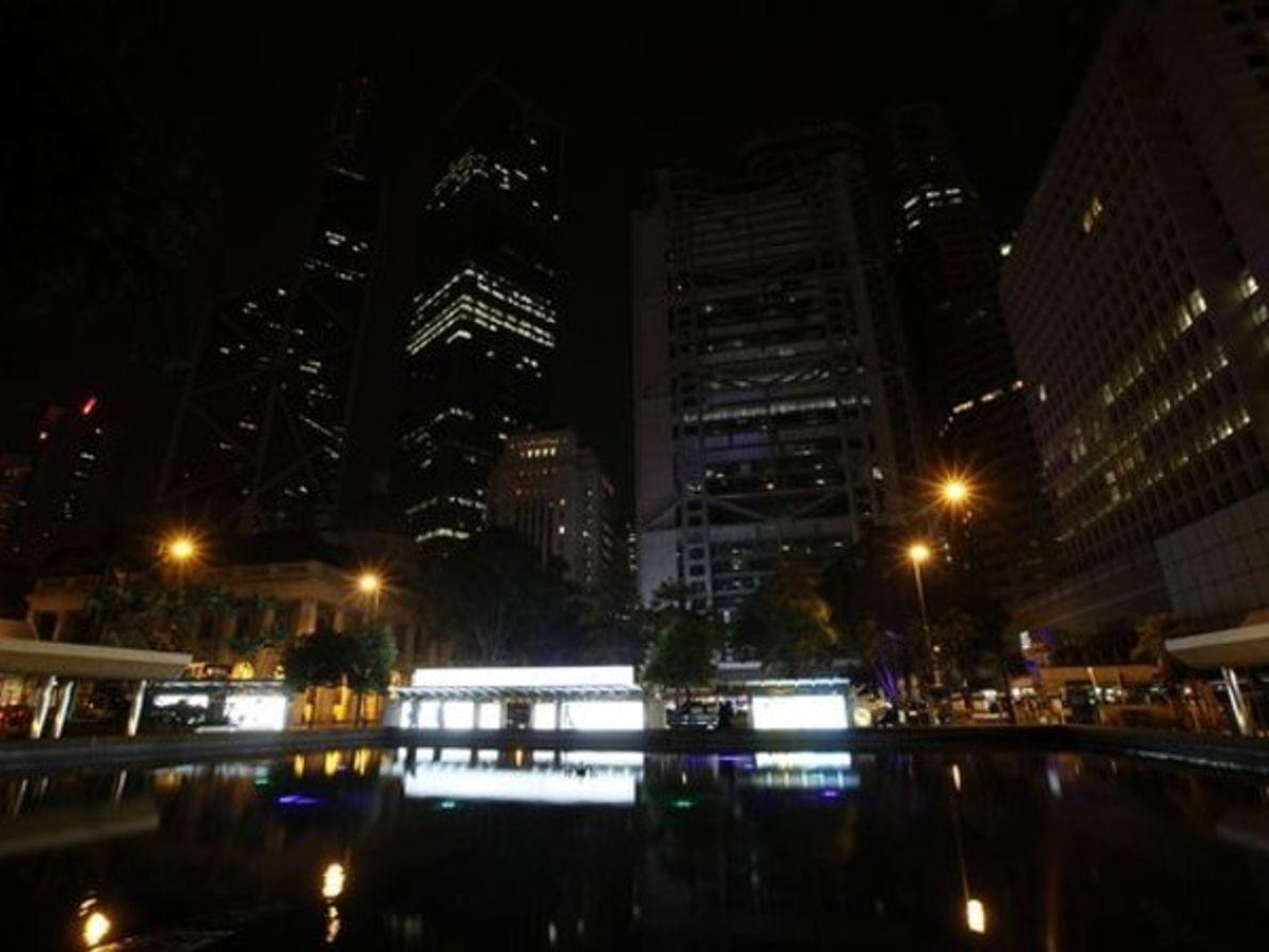 Centro de Hong Kong durante La Hora del Planeta