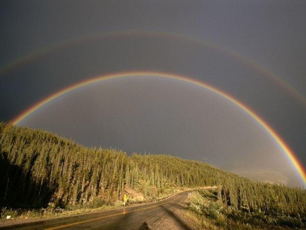 Arco Iris sobre la autopista Alaska