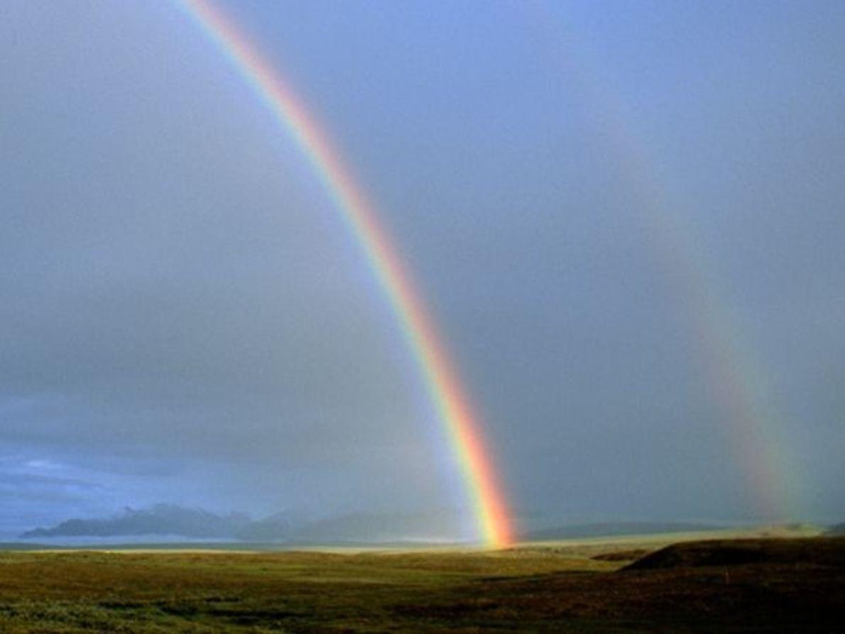Arco iris sobre tundra
