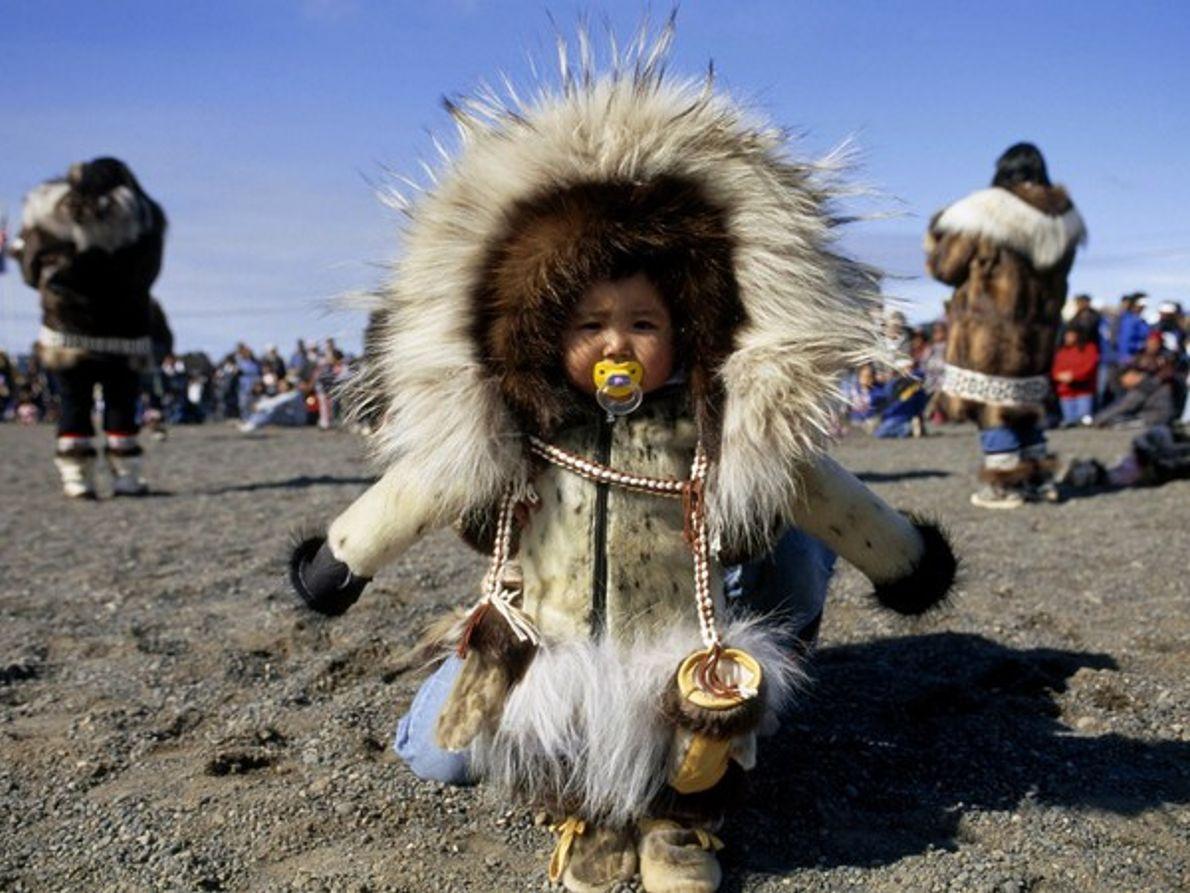 Niño esquimal de Alaska
