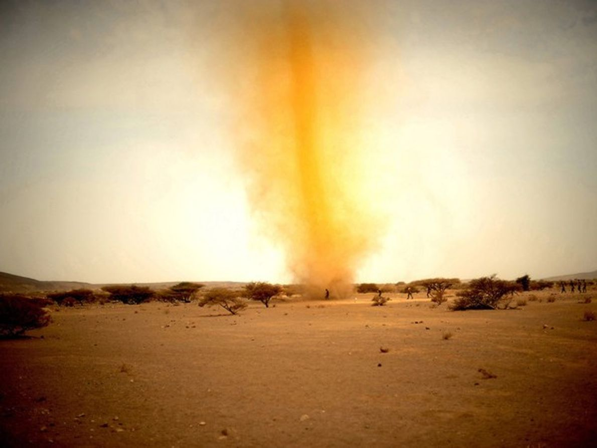 Tornado de polvo, África