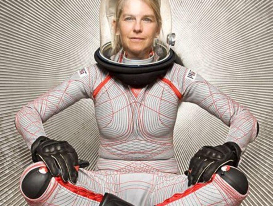 Como la NASA contempla volver a la Luna y, los ingenieros se están replanteando el traje ...