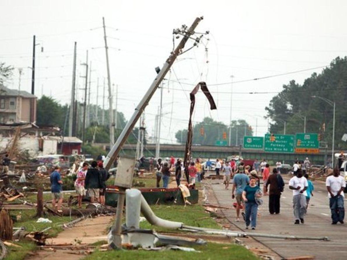 Impactantes imágenes del monstruoso tornado de Alabama