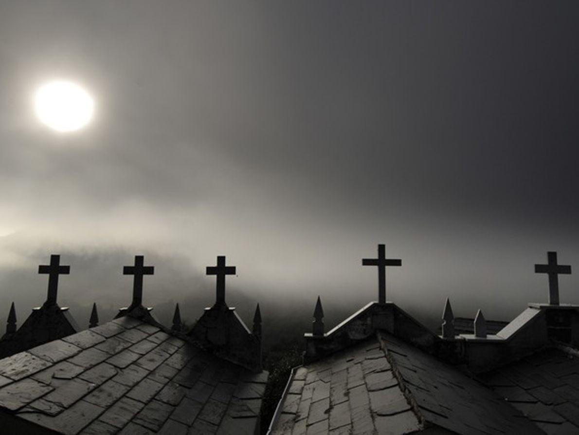 Luz del sol y niebla, España