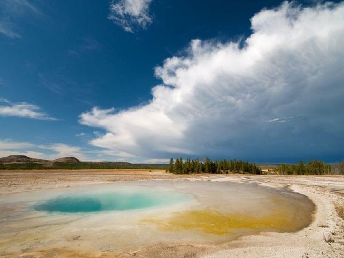 Piscina de aguas termales, Parque Nacional de Yellowstone