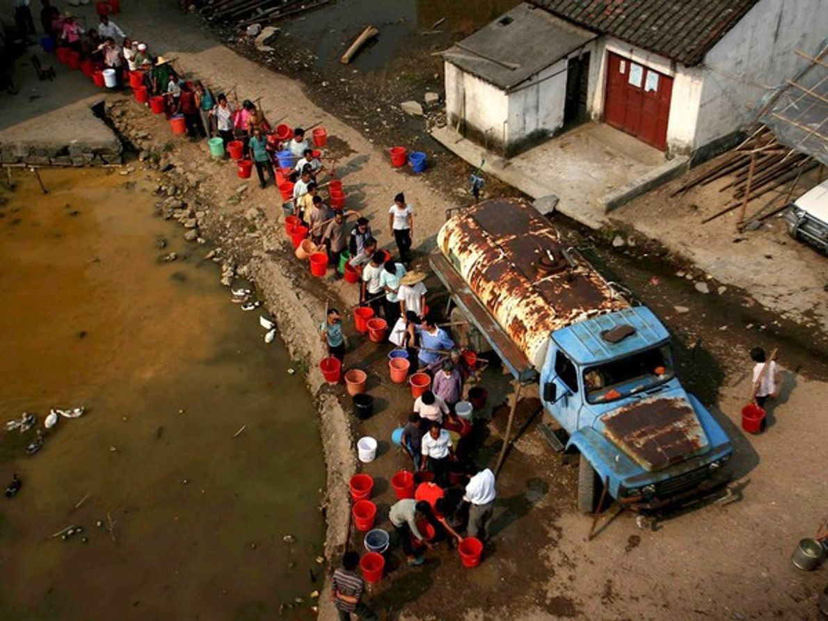 A la espera del agua (China)