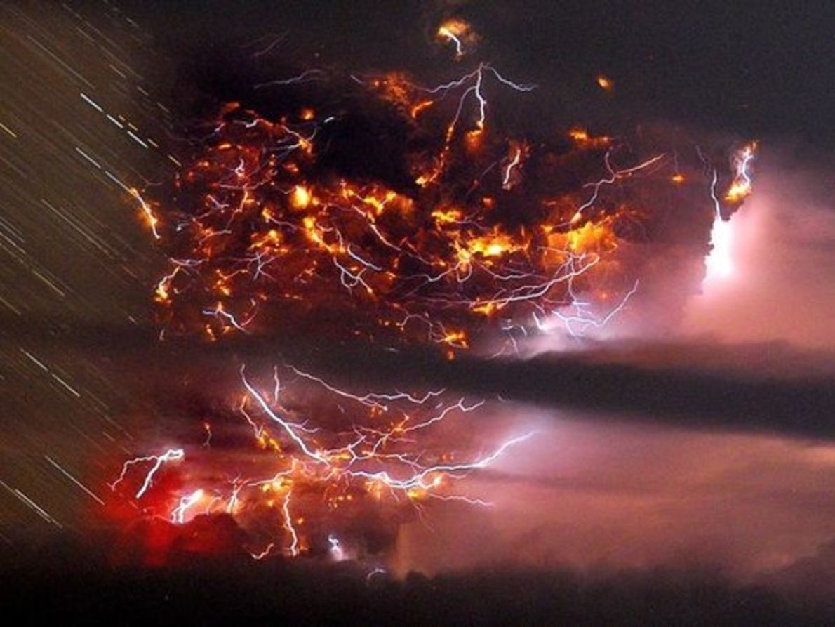 Rayos volcánicos