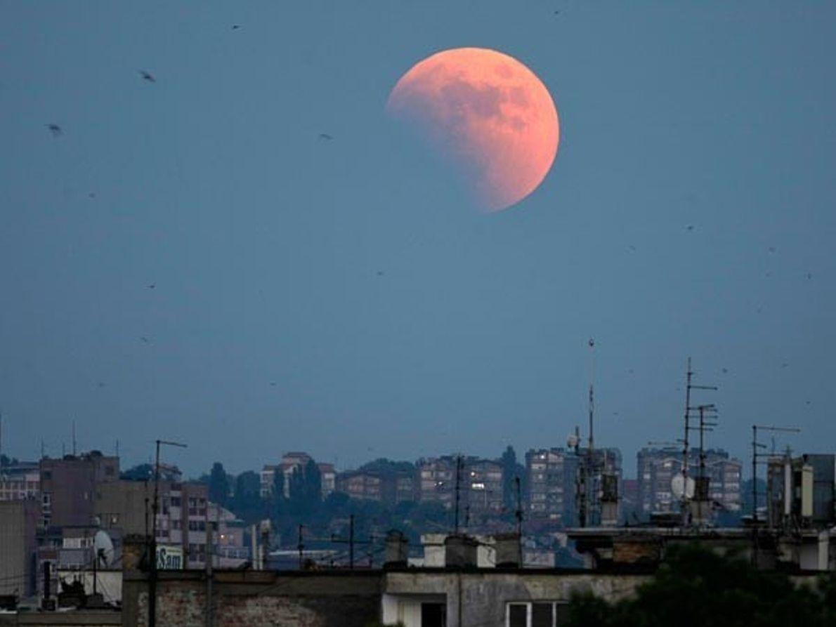 Empieza el eclipse lunar
