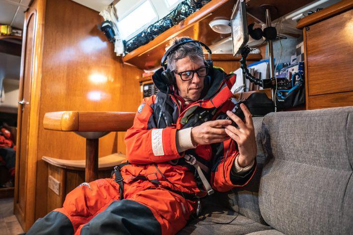 Fabrice Schnöller escucha las comunicaciones de los cachalotes