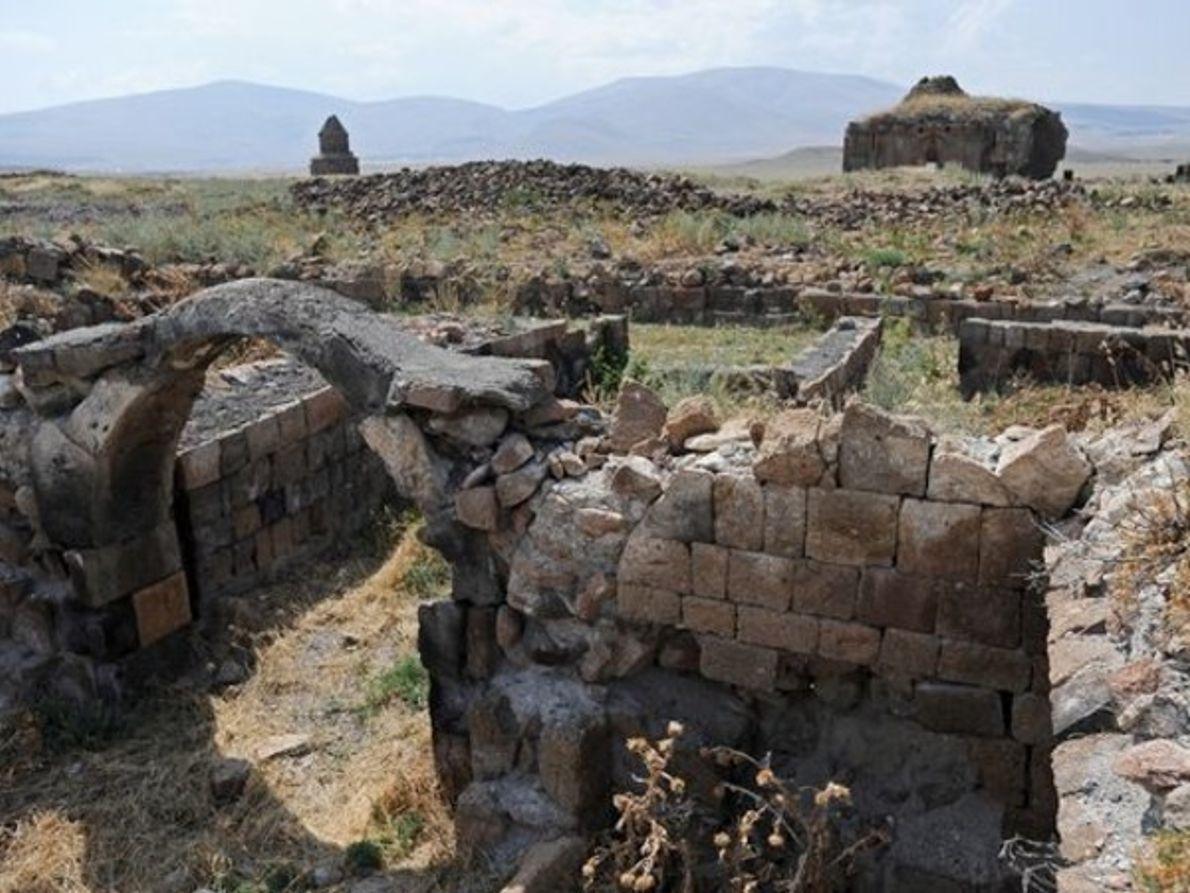 Bordeando las ruinas antiguas