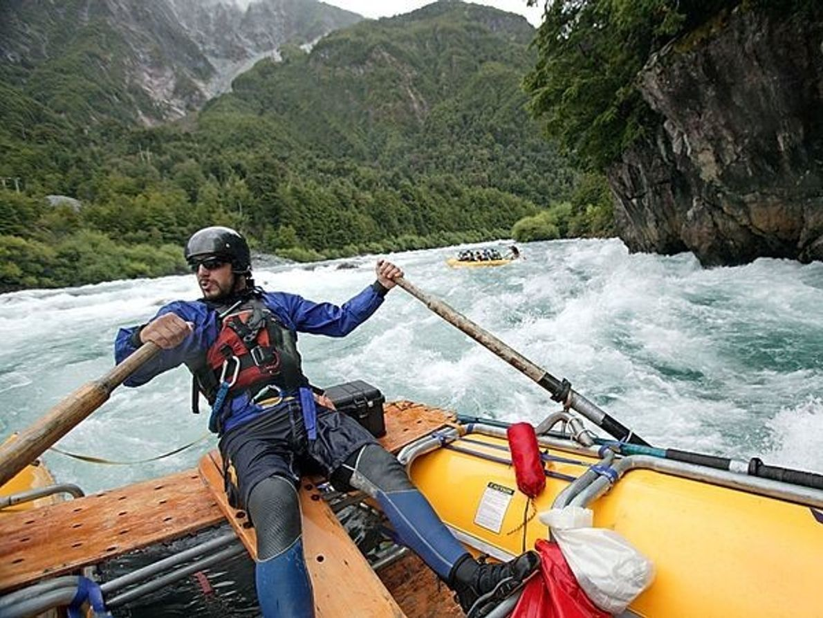 Para practicar rafting