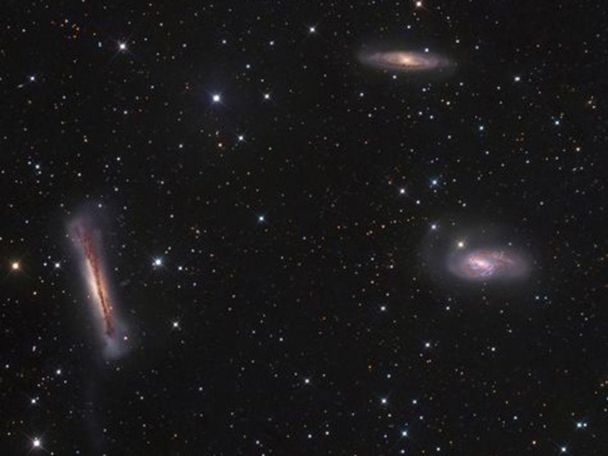 """Este """"retrato de familia"""" de tres galaxias conocido como el Triplete de Leo consiguió el segundo …"""
