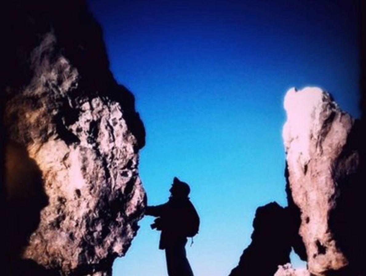Mujer en las rocas, Baja California