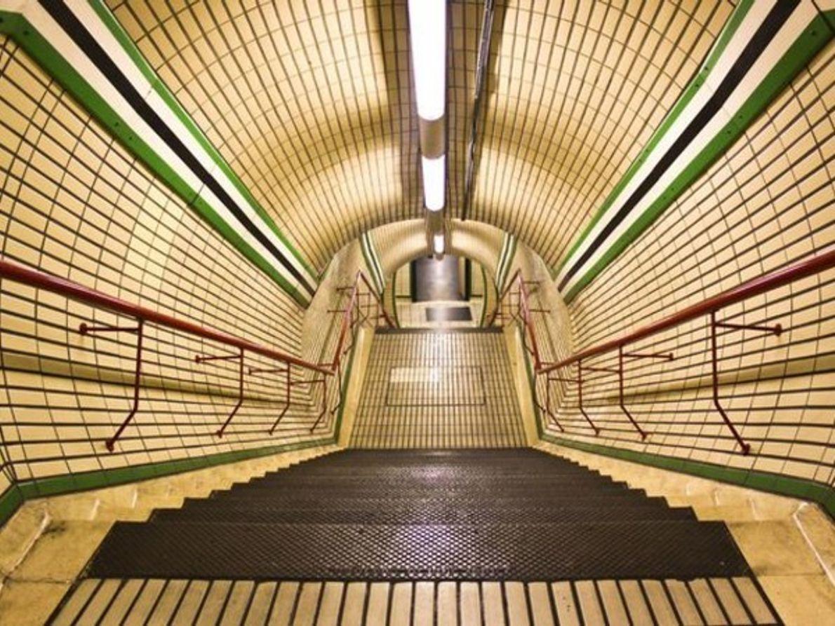 Estación de metro Tottenham Court Road, Londres