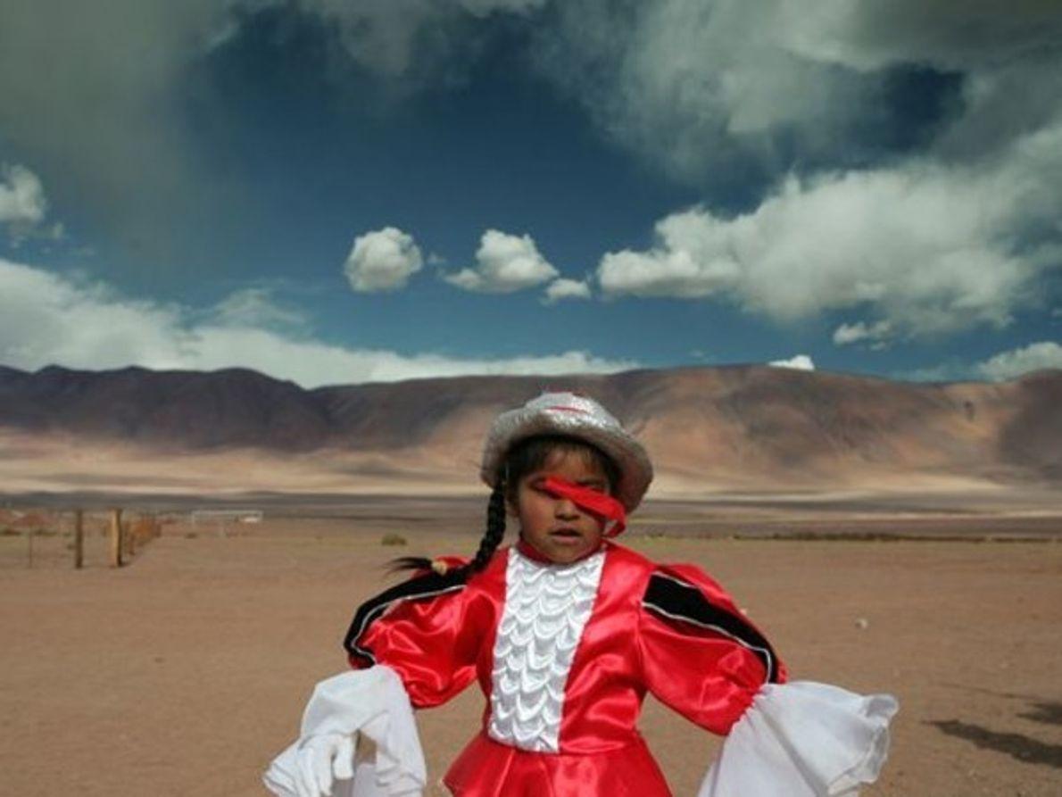 Chica en traje de carnaval, Argentina