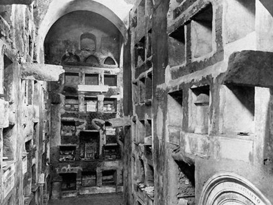 Templos y tumbas, un viaje entre los muertos