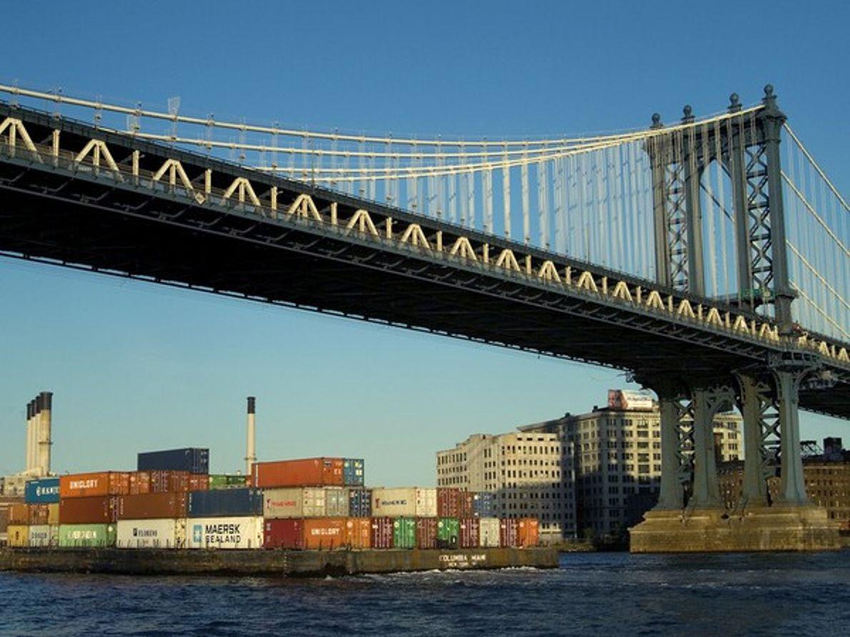 Bajo el puente de Manhattan