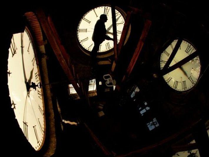¿Por qué se atrasan los relojes en otoño y se adelantan en primavera?