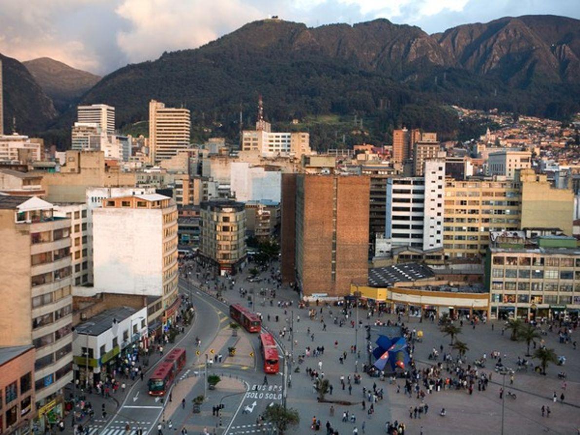 Bogotá: Autobuses, bicicletas y personas
