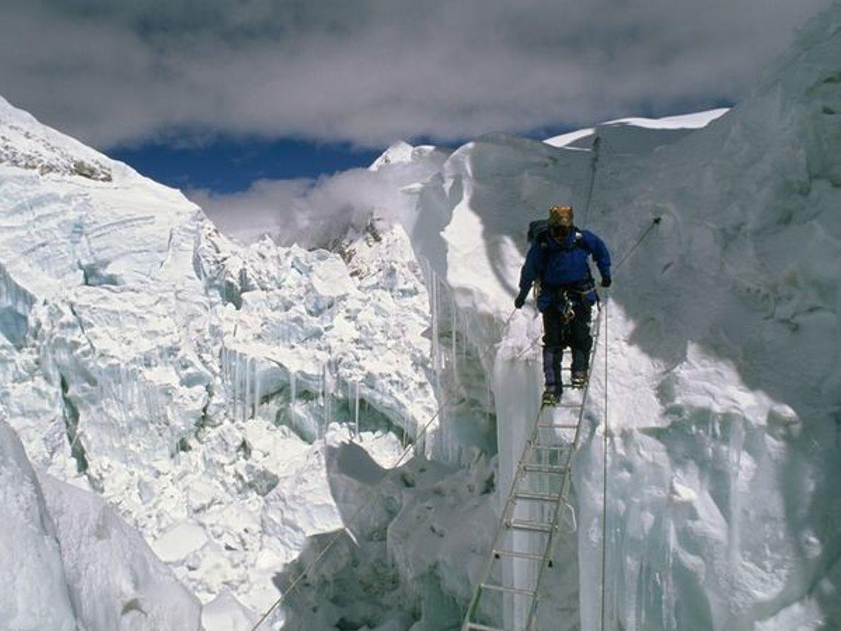 Escalar el Everest es uno de los retos más peligrosos