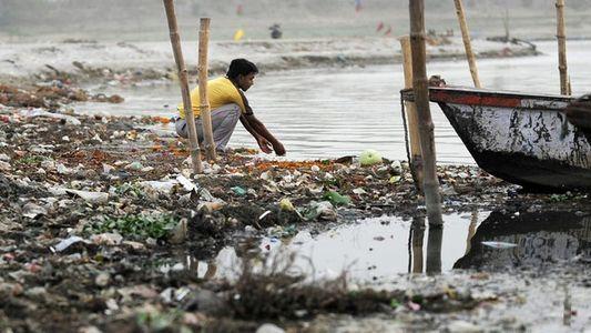 La India, el tallo sumergido de la polución en el Ganges
