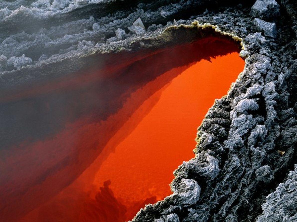Lava líquida del Monte Etna