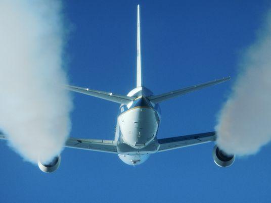 ¿Puede la captura de carbono hacer más sostenibles los viajes en avión?