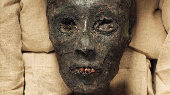 Momia Tutankamón