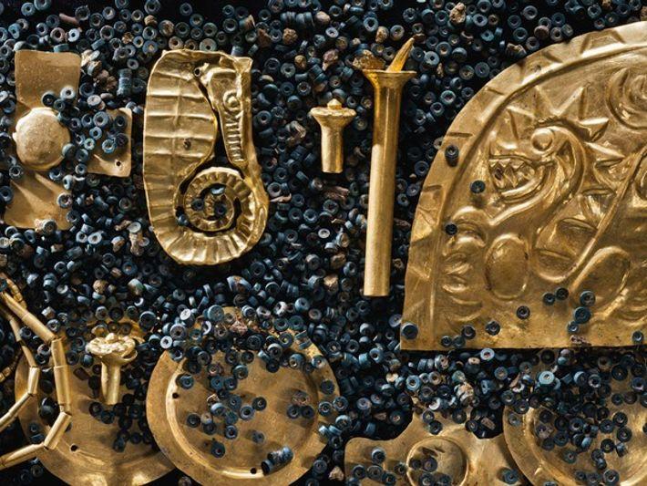 Encuentran un gran tesoro en la tumba de una civilización desconocida