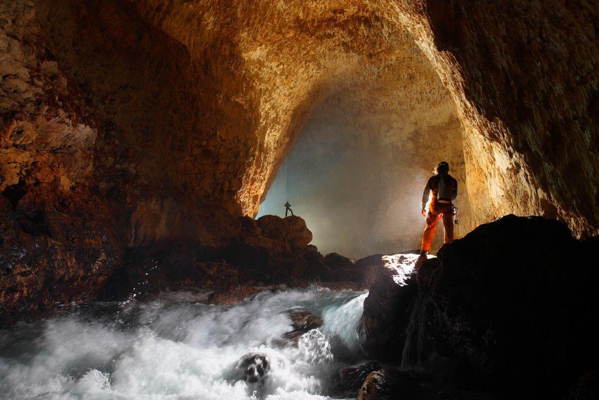 Cueva de Ora