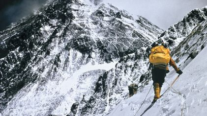La escalada al Everest a lo largo de la historia