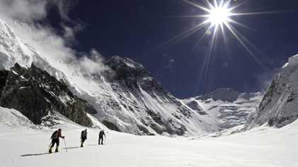 Así rescatan a los escaladores en las montañas más altas del mundo