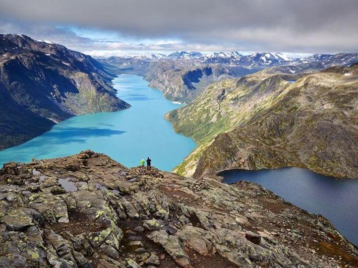 Besseggen Ridge Parque Nacional Jotunheimen, Noruega