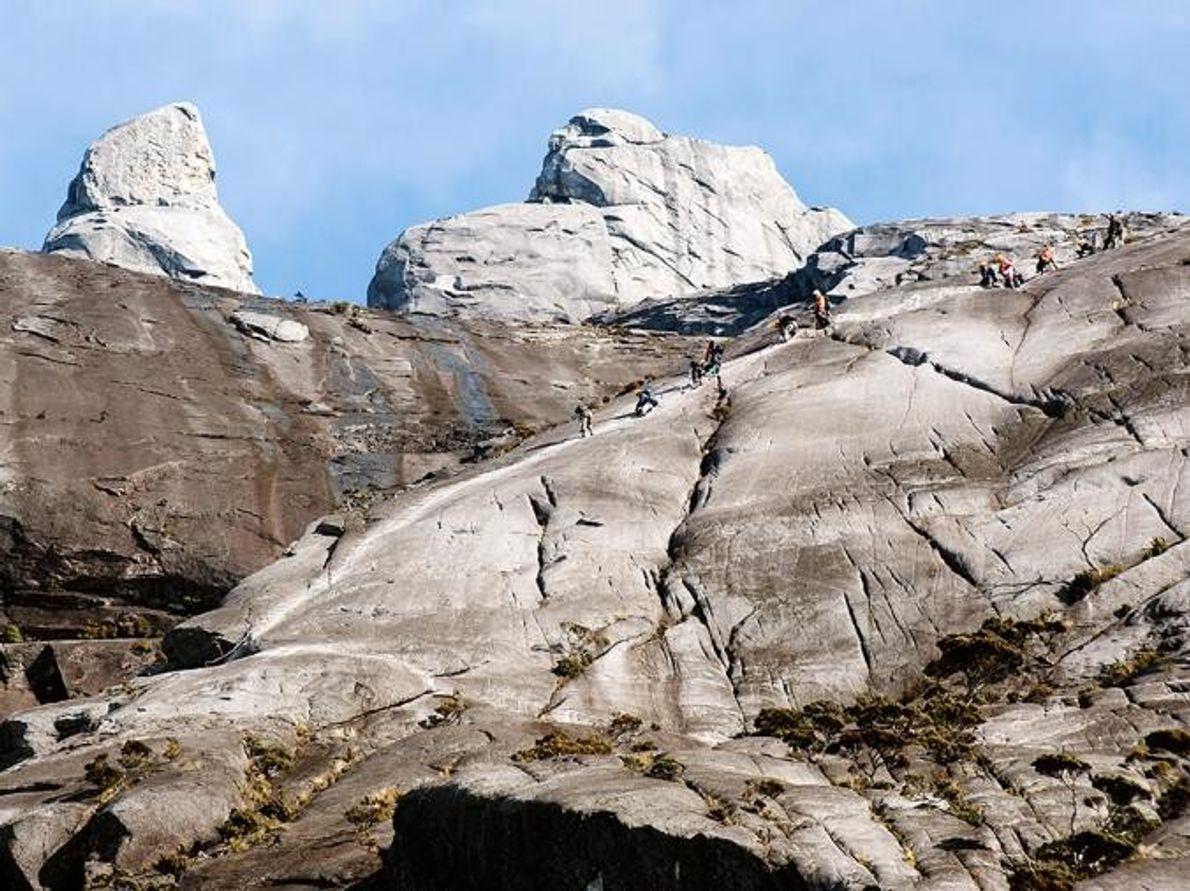 Pico del bajo Via Ferrata Parque Nacional Kinabalu, Malasia