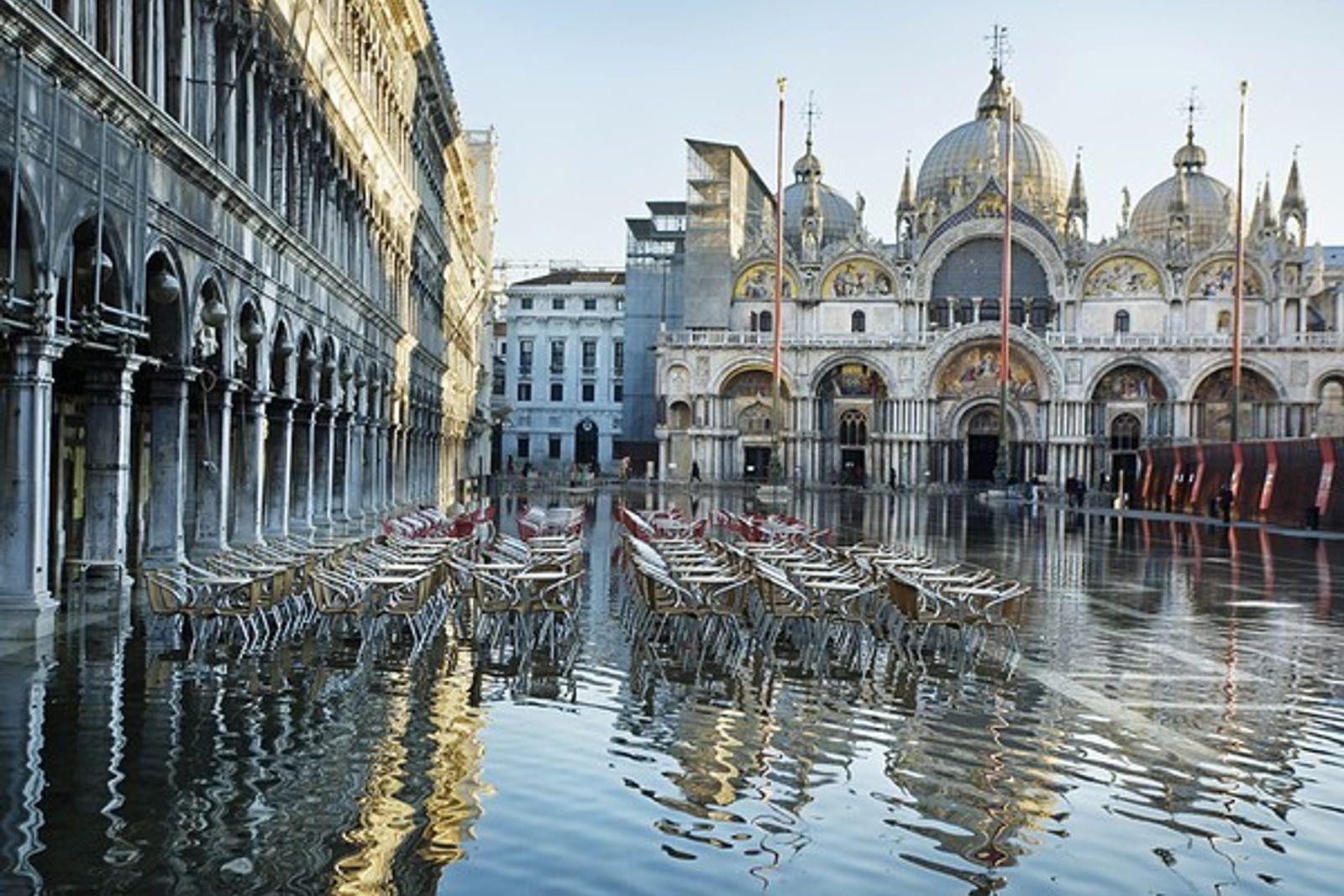 ¿Cómo salvar Venecia y evitar que se hunda en el mar?